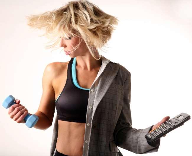 donna-multitasking-che-può-allenarsi-con-elite-coach
